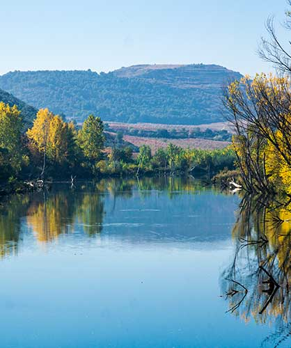 Río Ebro de noroeste a suroeste de La Rioja / Ebro River from northwest to southwest of La Rioja /埃布罗河由西北到西南贯穿拉里奥哈